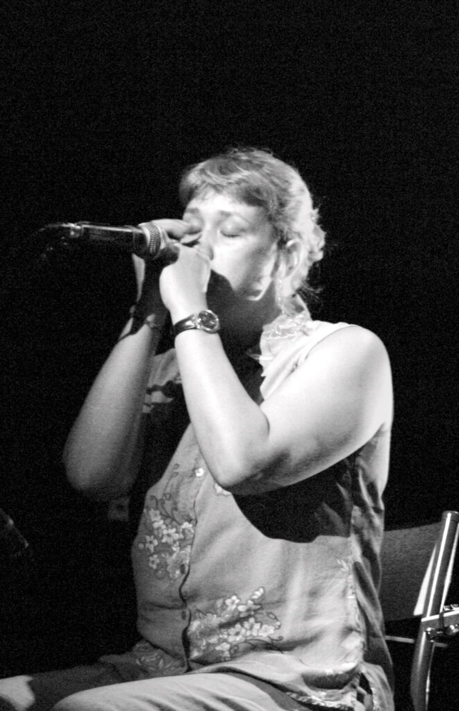 Debbie Dow – Harmonica